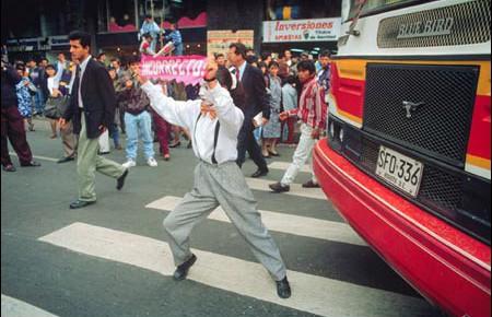 Traffic-mime-Bogota.-c.-1996