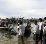 IDPs access the sea